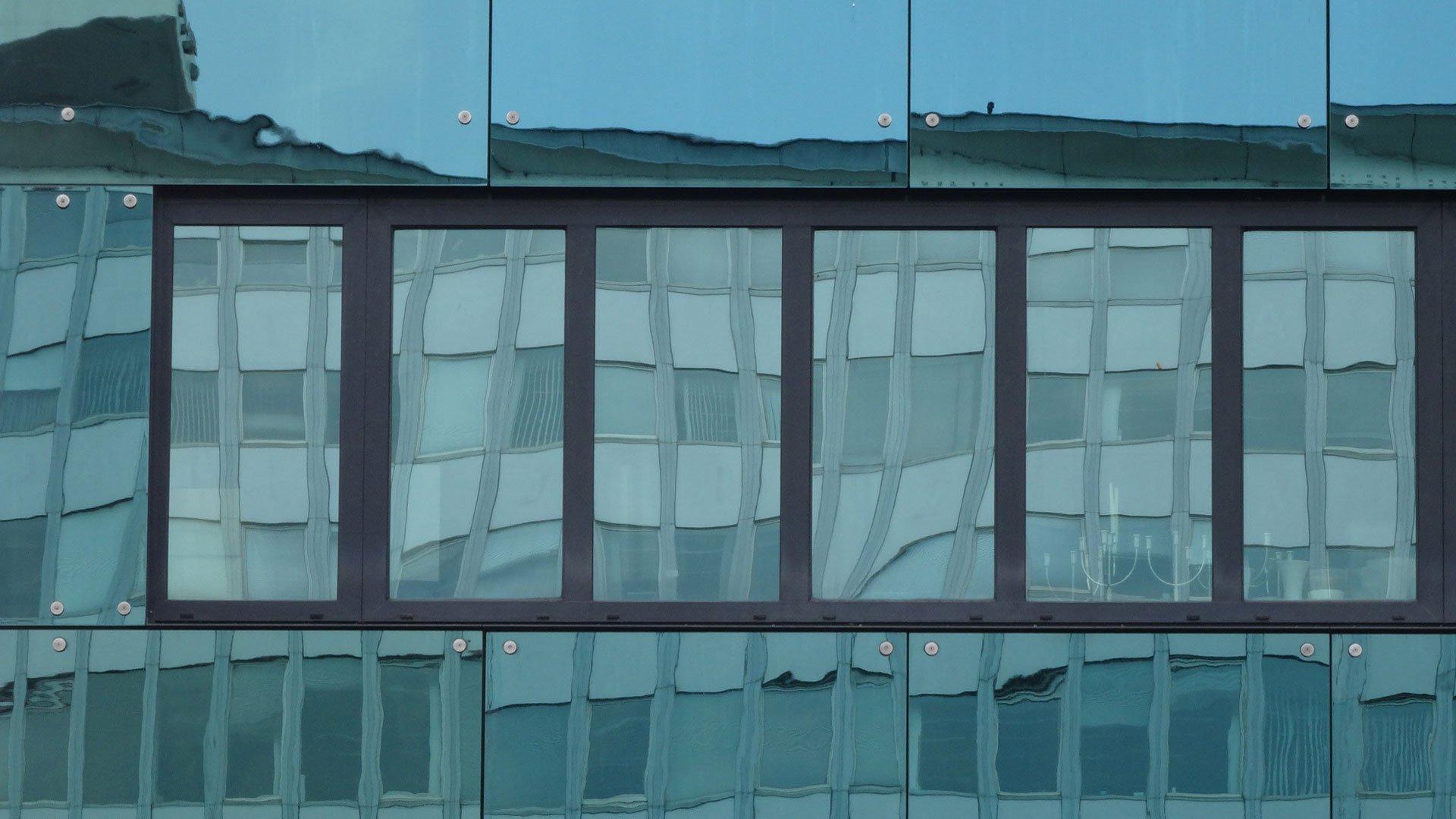messung der farbe von architekturverglasungen glas planungshilfen baunetz wissen. Black Bedroom Furniture Sets. Home Design Ideas