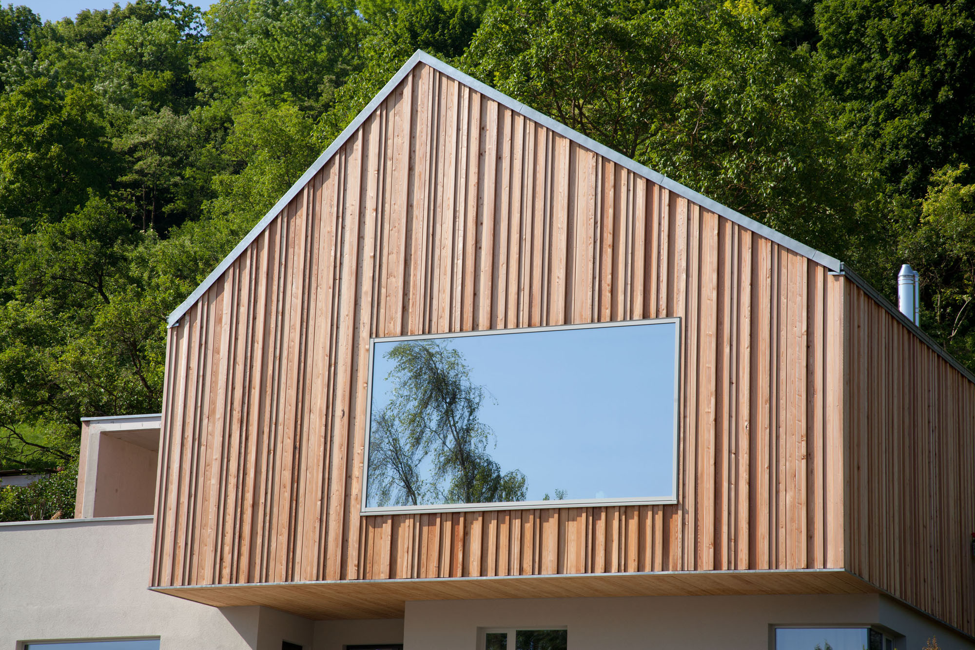 Haus f in regensburg beton wohnen efh baunetz wissen - Verspiegelte fenster haus ...