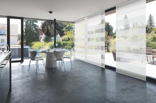 fl chenvorhang mit flacher schiene sonnenschutz. Black Bedroom Furniture Sets. Home Design Ideas