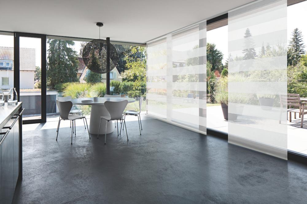 fl chenvorhang mit flacher schiene sonnenschutz news produkte baunetz wissen. Black Bedroom Furniture Sets. Home Design Ideas