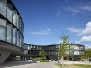 Um Platz für neue Arbeitsplätze zu schaffen, erhielt die Europäische Südsternwarte eine Erweiterung, die knapp 18.500 m² umfasst