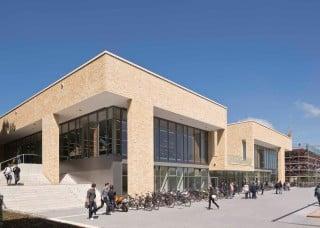 Die neue Mensa Westerberg bildet den Auftakt des neuen Campusgeländes in Osnabrück