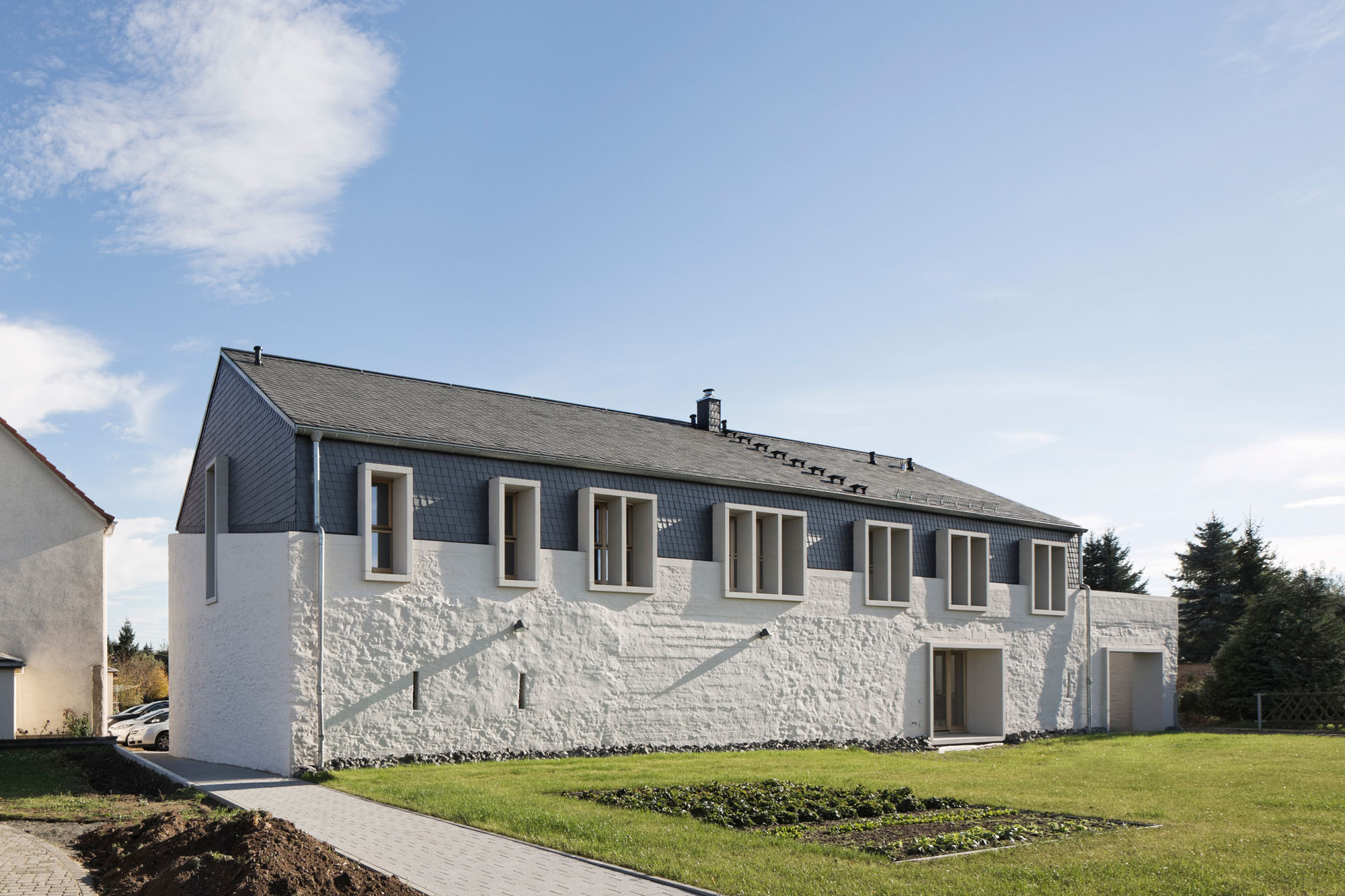 osten trifft westen renovierung luxushaus, umbau einer scheune in sermuth | schiefer | wohnen/efh | baunetz_wissen, Design ideen