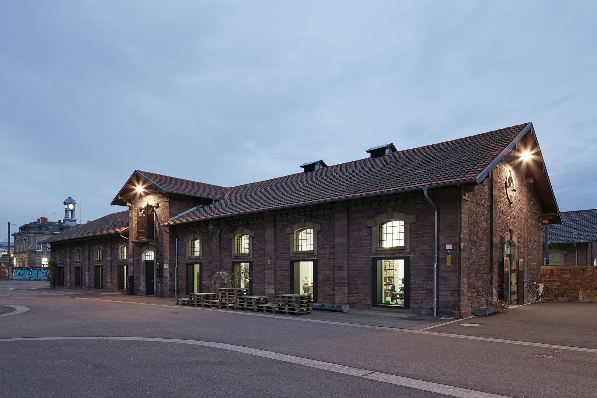 Umbau eines ehemaligen schweinestalls in karlsruhe - Architektur karlsruhe ...
