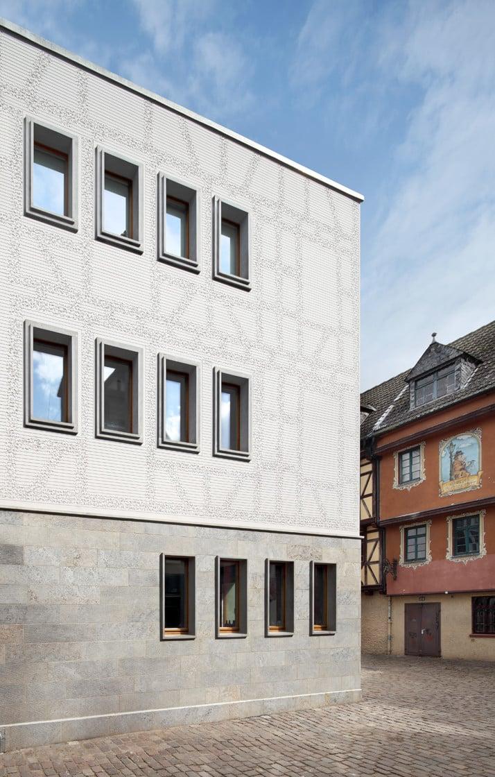 wohn und atelierhaus kleiner ritter in frankfurt a m d mmstoffe sonderbauten baunetz wissen. Black Bedroom Furniture Sets. Home Design Ideas