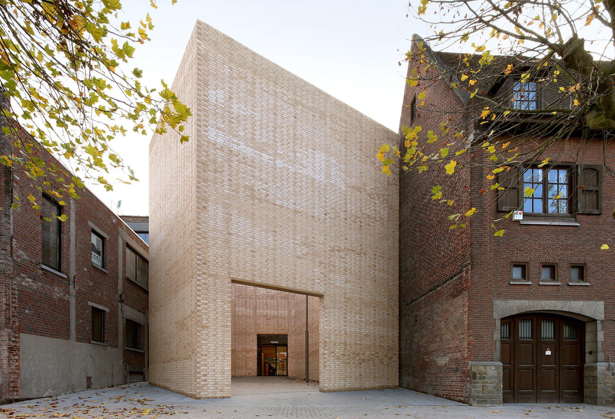 Kunstzentrum buda in kortrijk mauerwerk kultur for Dujardin kortrijk