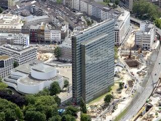 Das 1960 von Helmut Hentrich und Hubert Petschnigg entworfene Dreischeibenhaus in Düsseldorf gilt heute als wichtiges Zeugnis der deutschen Nachkriegsmoderne