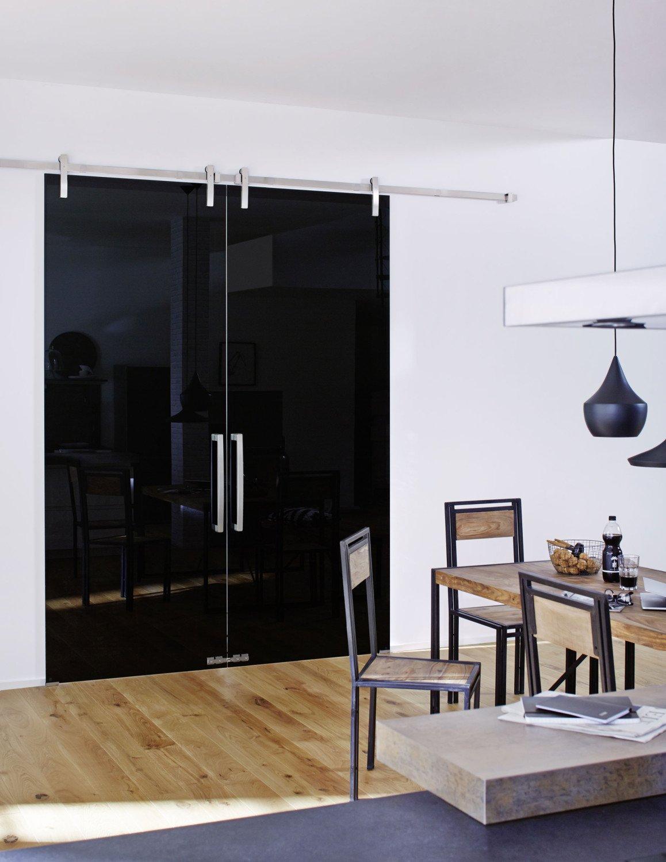 dunkelgraues floatglas glas news produkte baunetz wissen. Black Bedroom Furniture Sets. Home Design Ideas