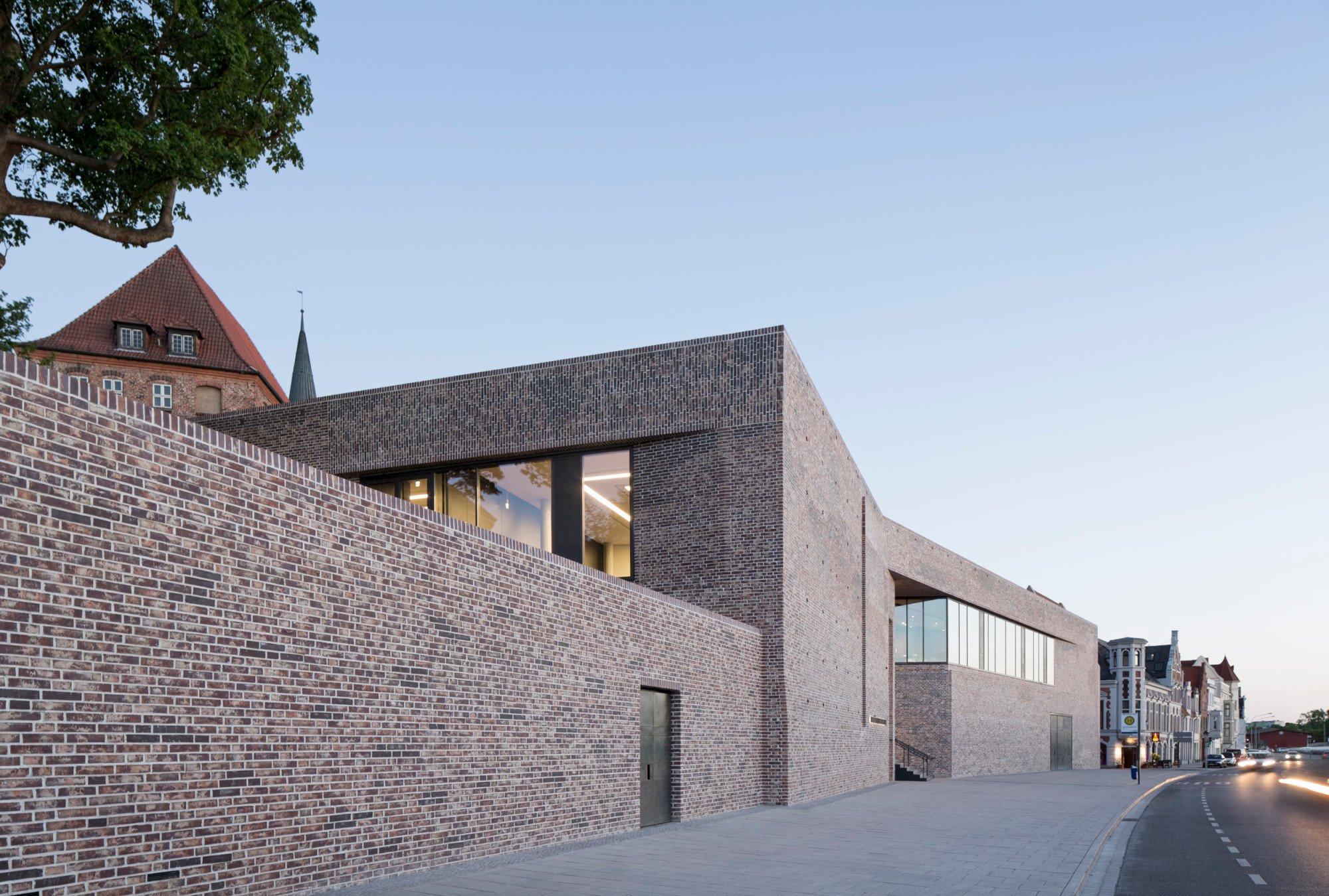 europ isches hansemuseum in l beck mauerwerk kultur baunetz wissen. Black Bedroom Furniture Sets. Home Design Ideas