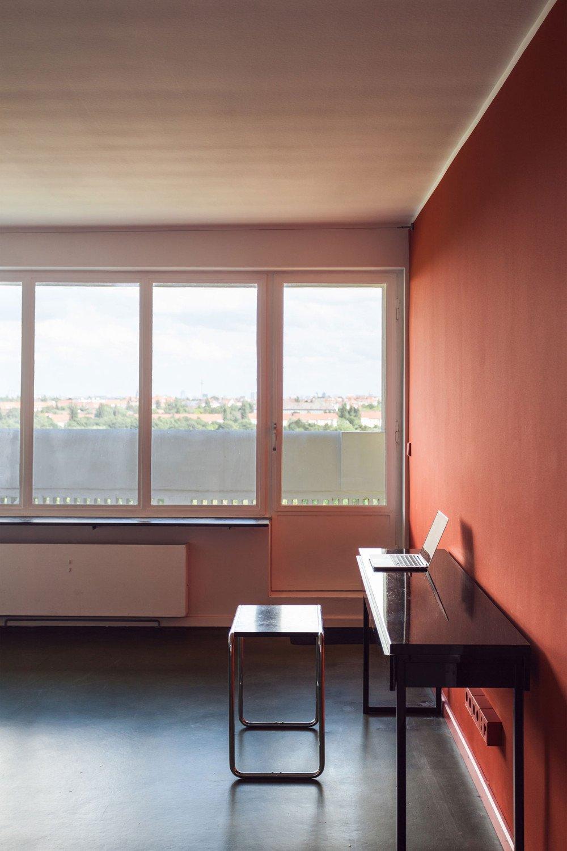 Wohnung 402 im corbusierhaus berlin elektro wohnen for Farben im wohnraum