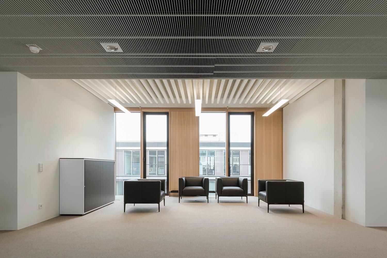 industrie und handelskammer stuttgart elektro b ro gewerbe baunetz wissen. Black Bedroom Furniture Sets. Home Design Ideas
