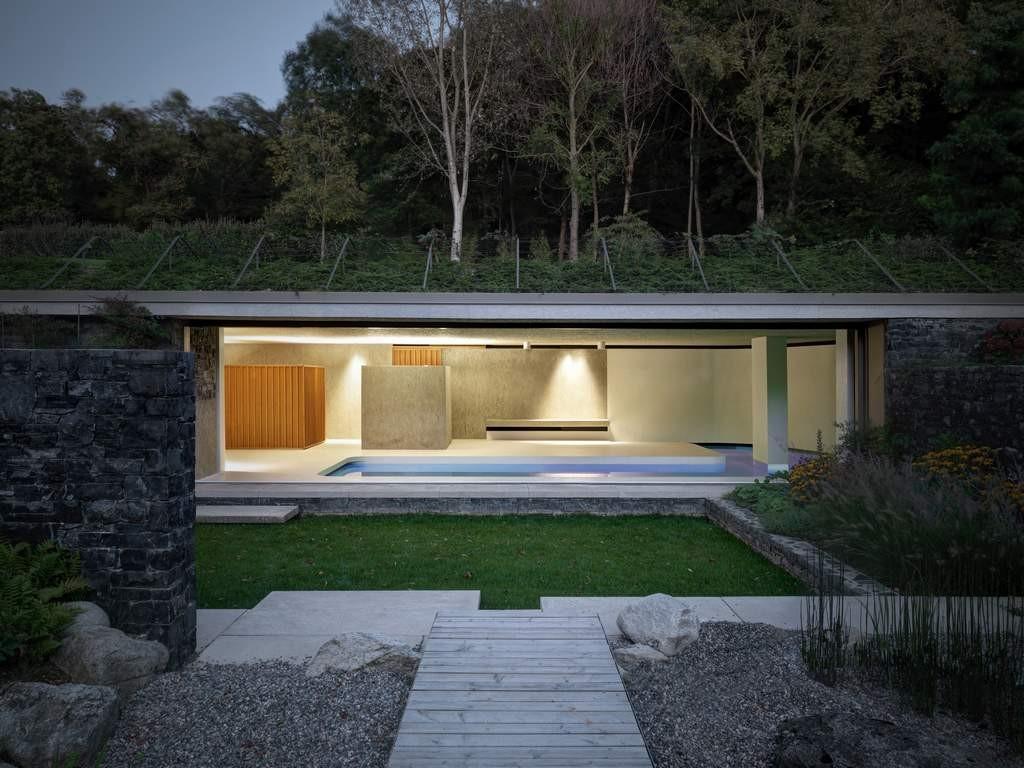 Verführerisch Poolhaus Bauen Beste Wahl Eine Vorgelagerte, Leicht Abgesenkte Grünfläche Dient Als