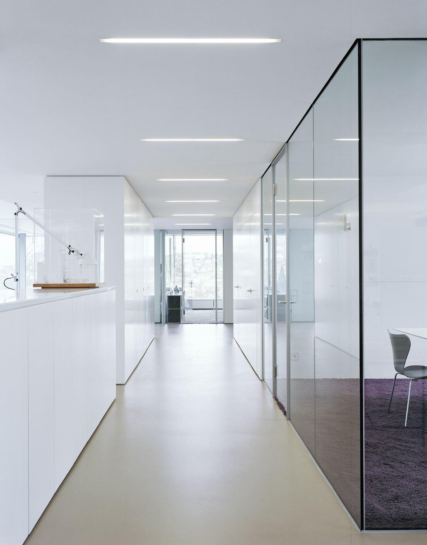 b ro und wohnhaus in stuttgart sonnenschutz b ro verwaltung baunetz wissen. Black Bedroom Furniture Sets. Home Design Ideas