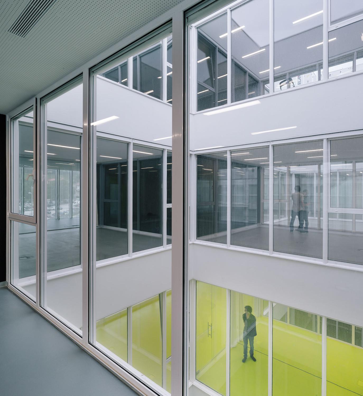 Ausbildungszentrum in Torrelavega | Glas | Bildung | Baunetz_Wissen