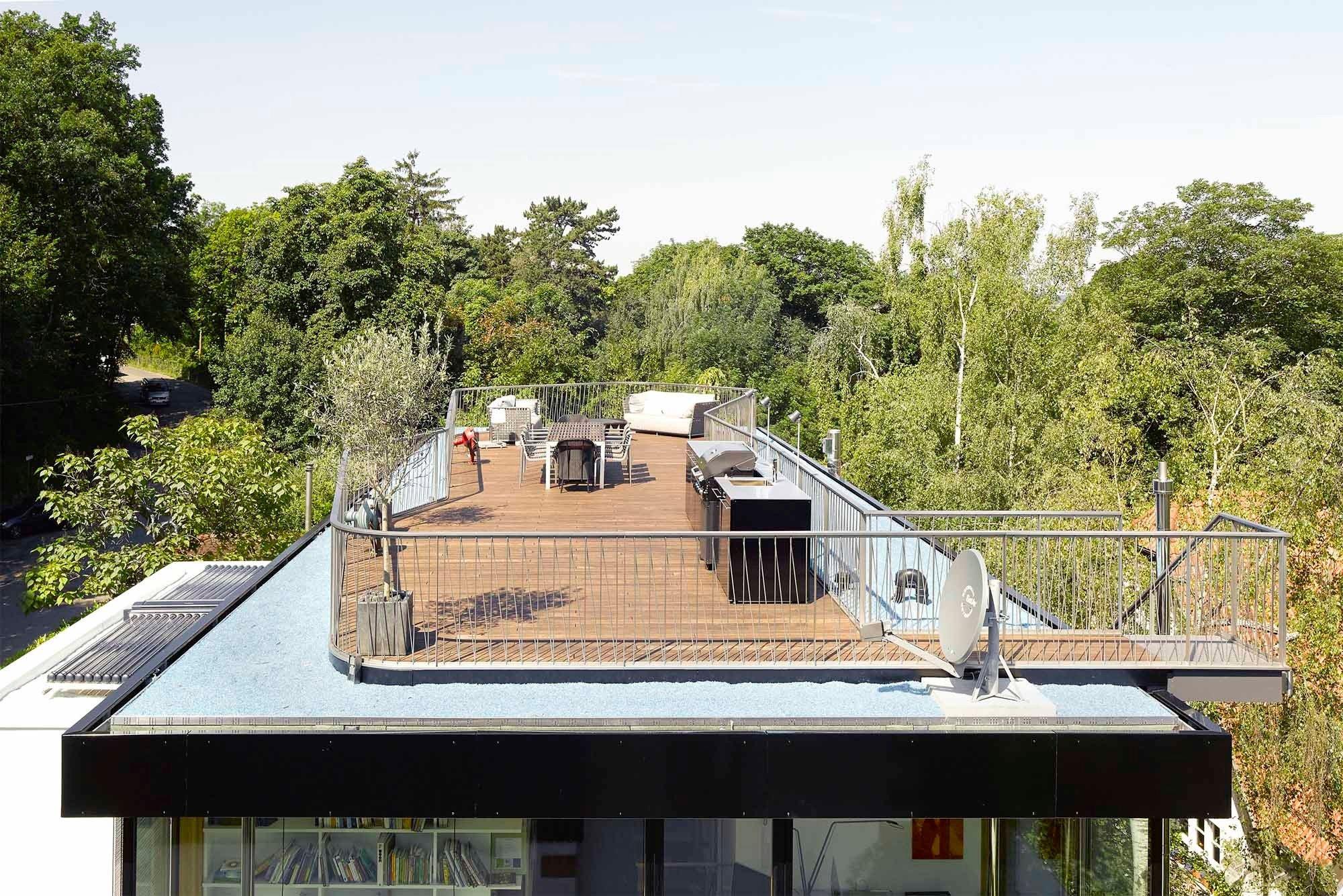 Aufstockung haus s in stuttgart flachdach wohnen for Modernes haus dachterrasse