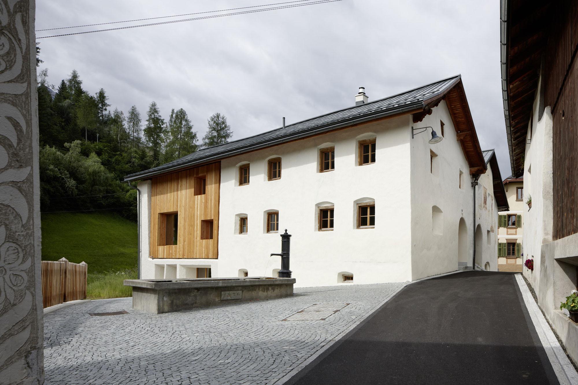 Wohnhaus In Tarasp Boden Wohnen Baunetz Wissen