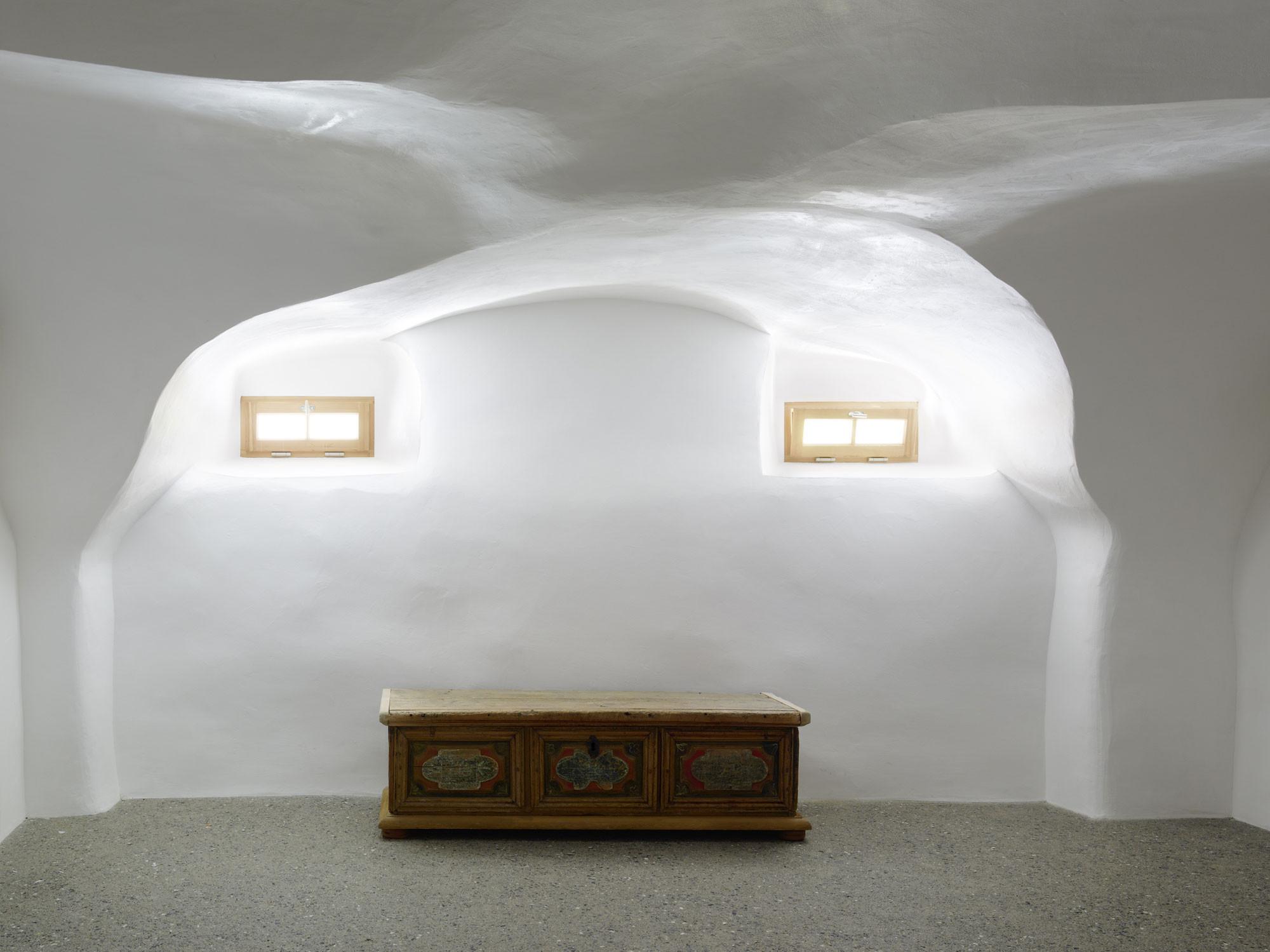Fußboden Im Gewölbekeller ~ Wohnhaus in tarasp boden wohnen baunetz wissen