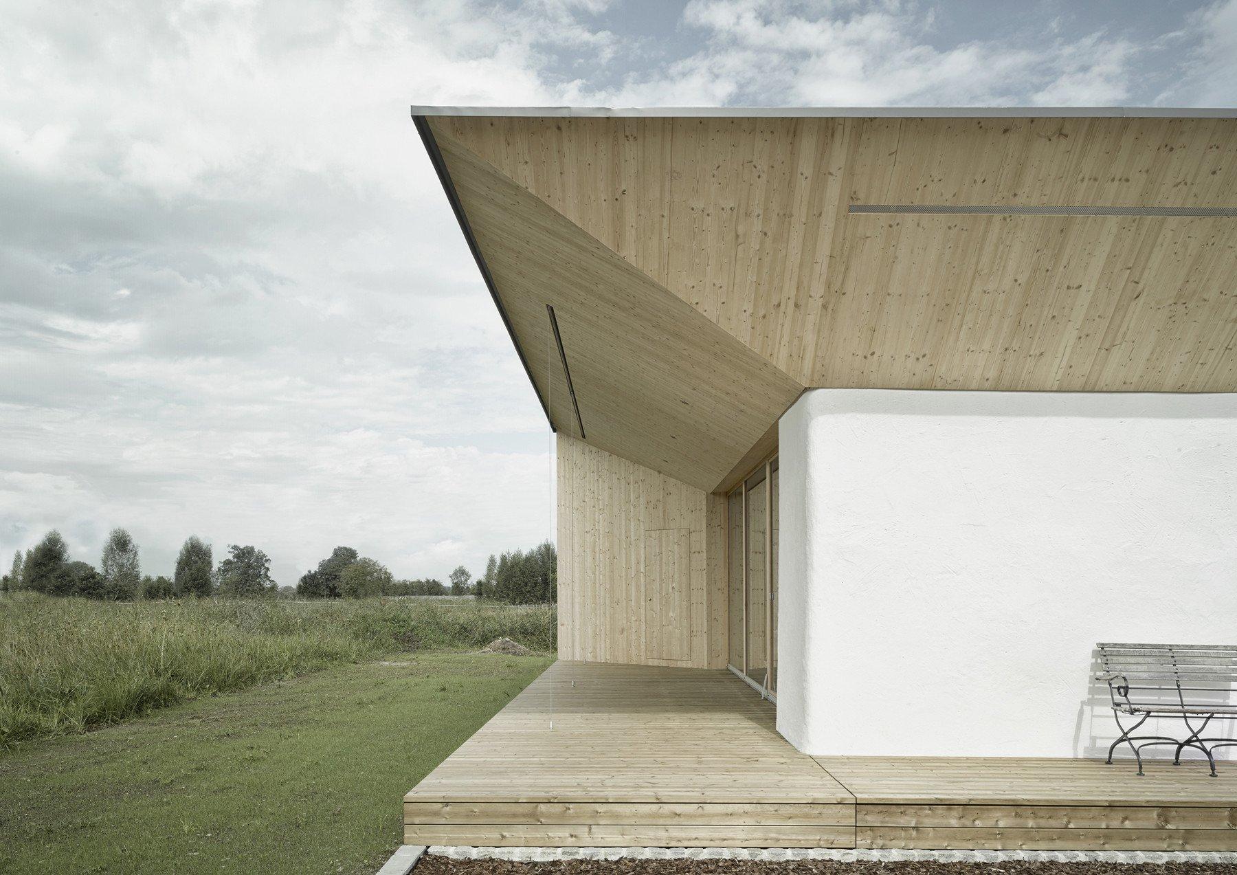 Attractive Breite Hölzerne Terrassen Rahmen Die Wohnräume An Der Südost  Und  Südwestseite