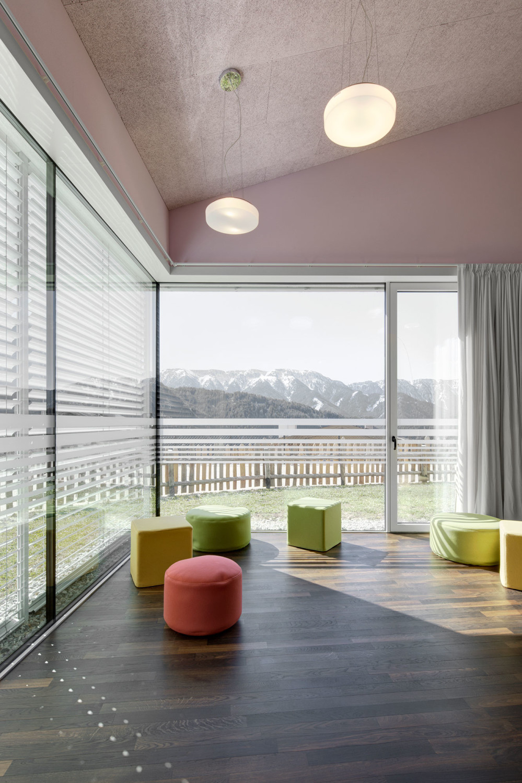 Grundschule Und Kindergarten In Afers Boden Bildung Baunetz Wissen