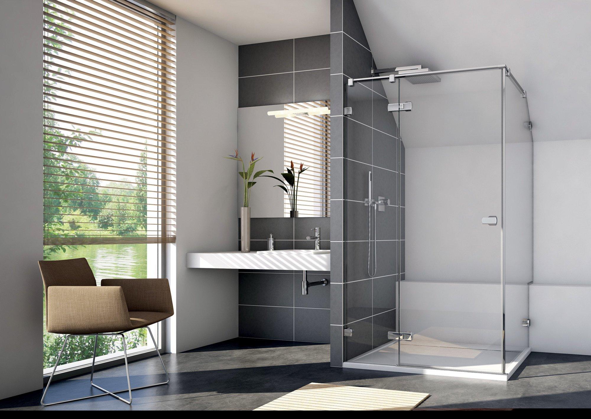 Zum Programm Gehören Glasabtrennungen Für Freistehende Duschbereiche,  Duschen In Raumecken Oder Nischen Und Mit Direkter Anbindung An Die  Badewanne
