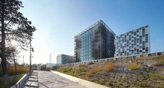 Der Gebäudekomplex bietet auf über 54.000 Quadratmetern ausreichend Platz für 1.200 Mitarbeiter