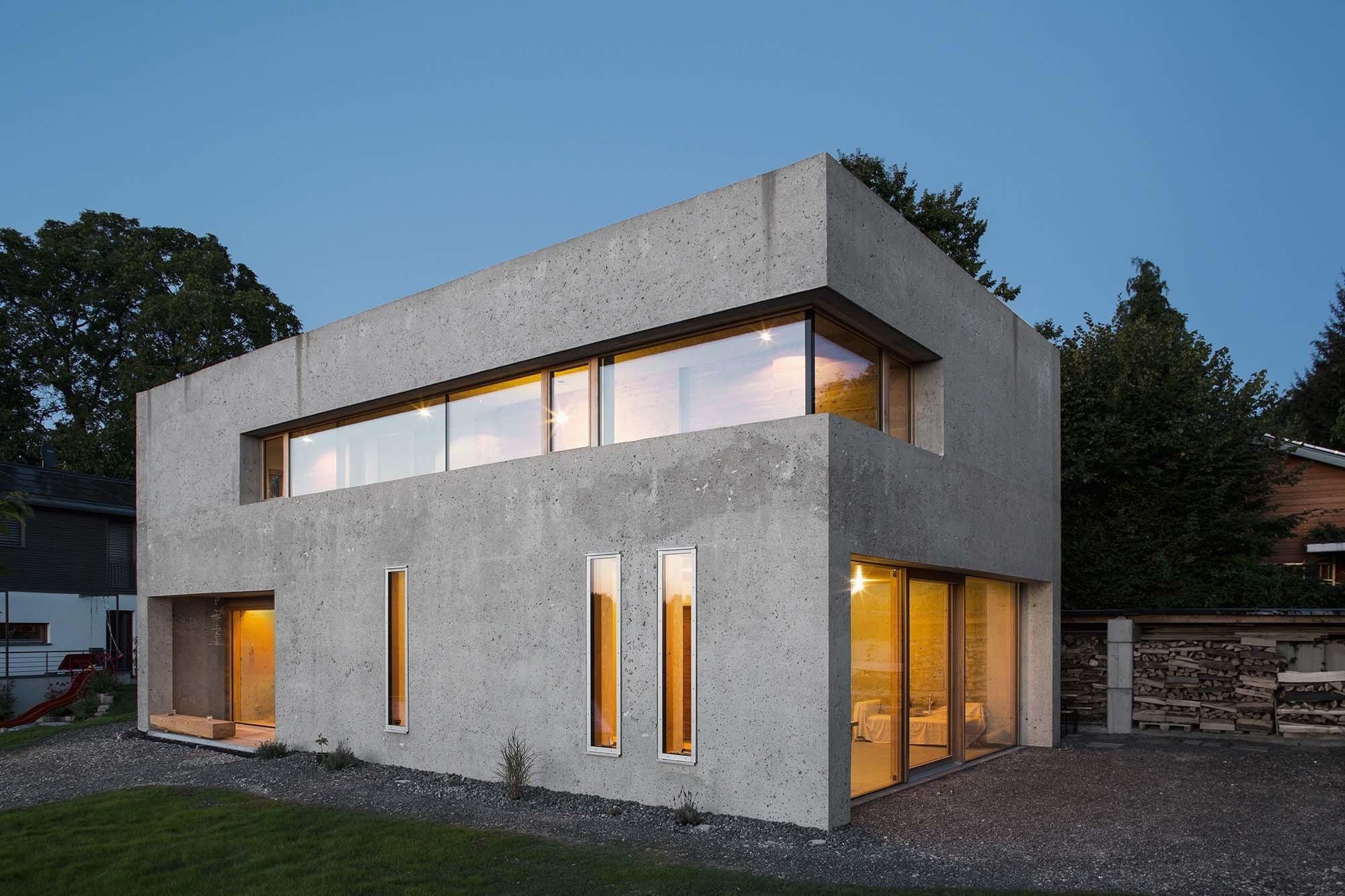 wohnhaus in wei ensberg beton wohnen efh baunetz wissen. Black Bedroom Furniture Sets. Home Design Ideas