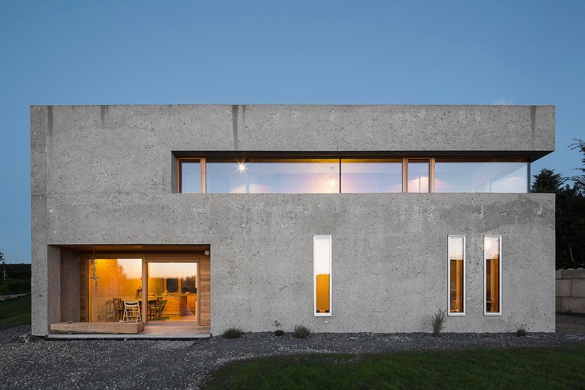 Wohnhaus in wei ensberg beton wohnen efh baunetz wissen for Kubus haus innen