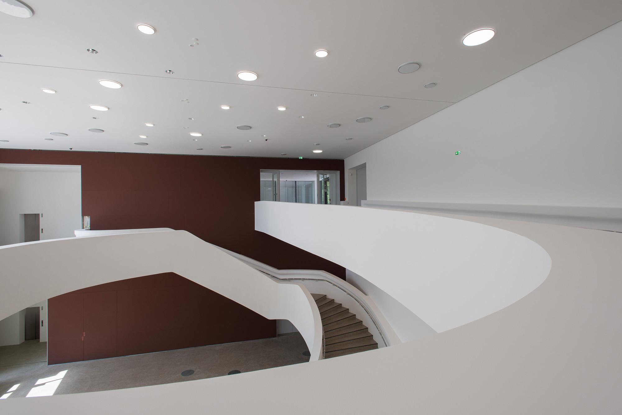 Treppen Hannover sprengel museum in hannover beton kultur baunetz wissen
