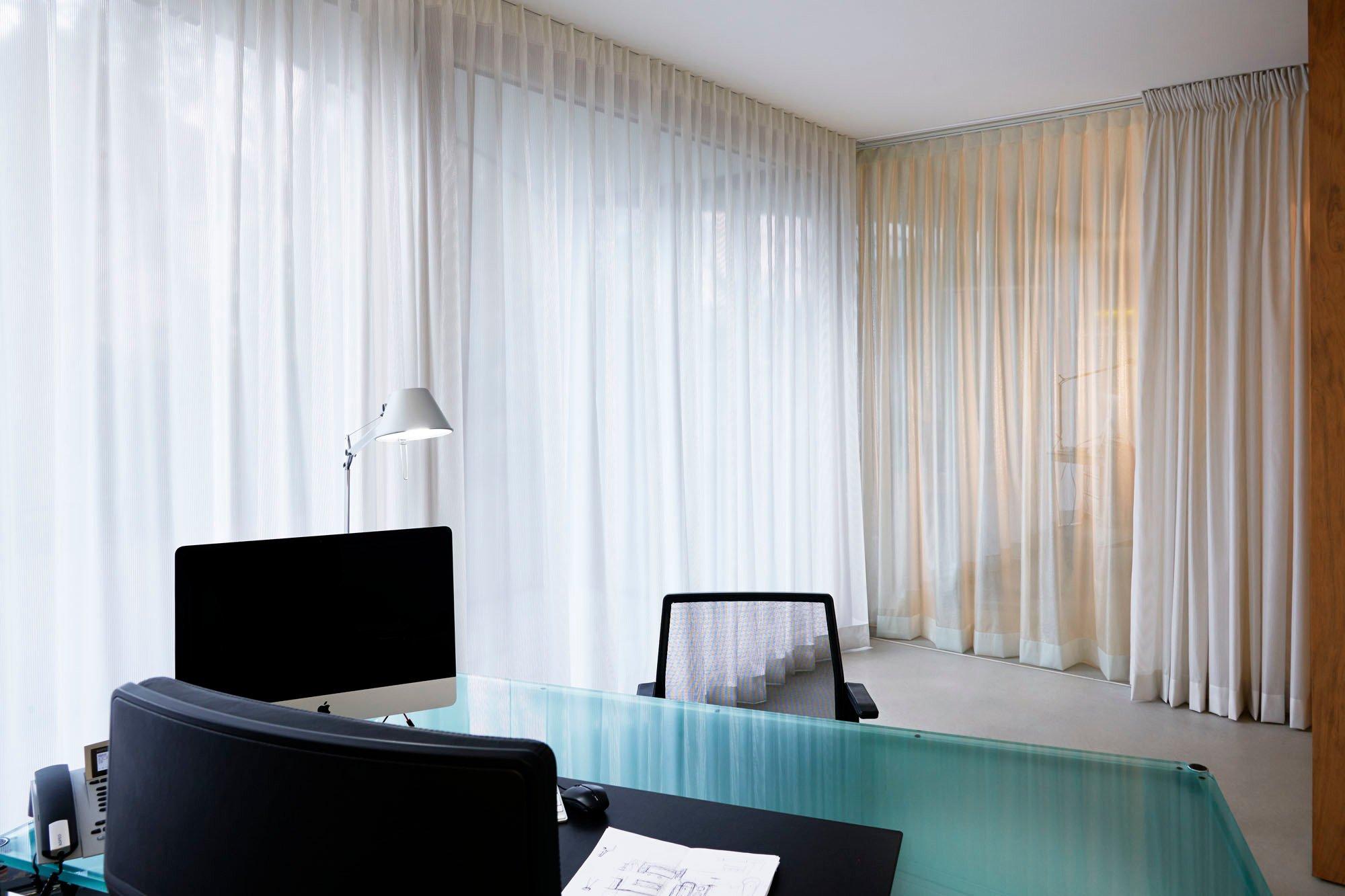 halbtransparente textilien als sonnenschutz und. Black Bedroom Furniture Sets. Home Design Ideas