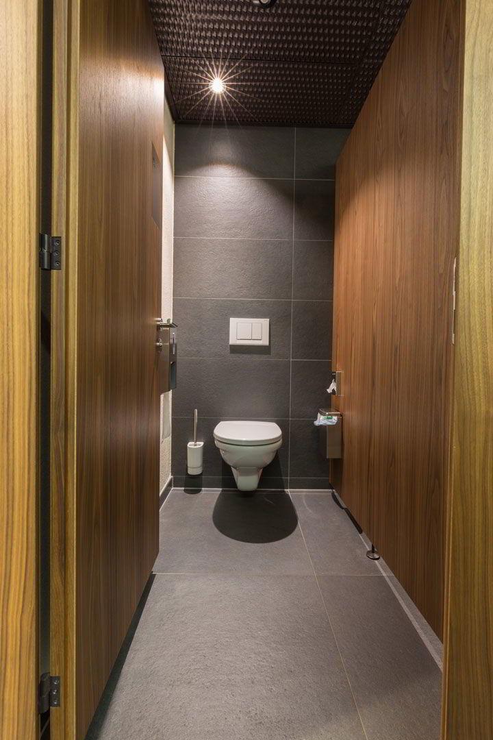 wellnesshostel4000 in saas fee fliesen und platten. Black Bedroom Furniture Sets. Home Design Ideas