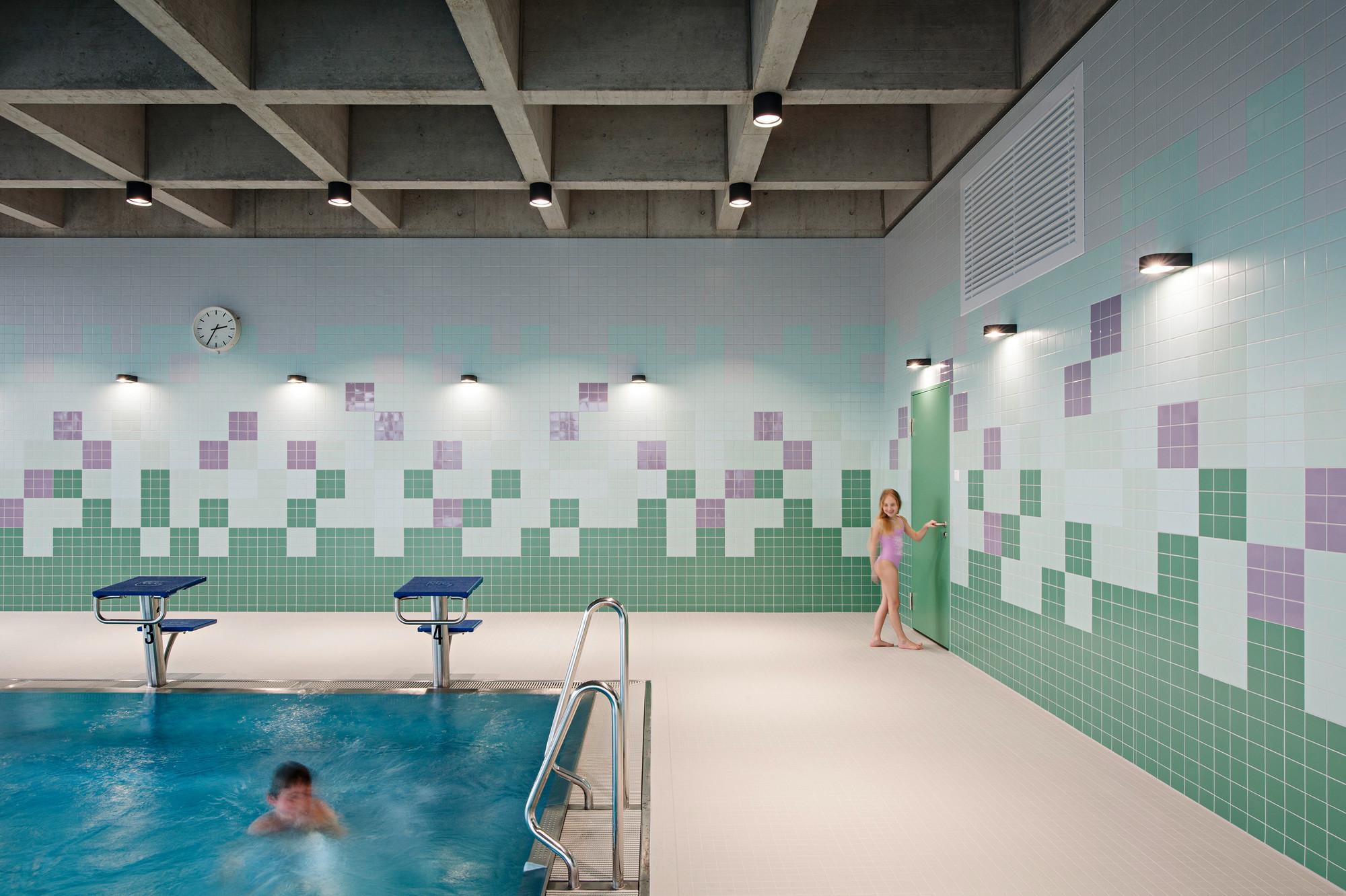 Schwimmbad allmendli in erlenbach beton freizeit sport for Schwimmbad mosaik