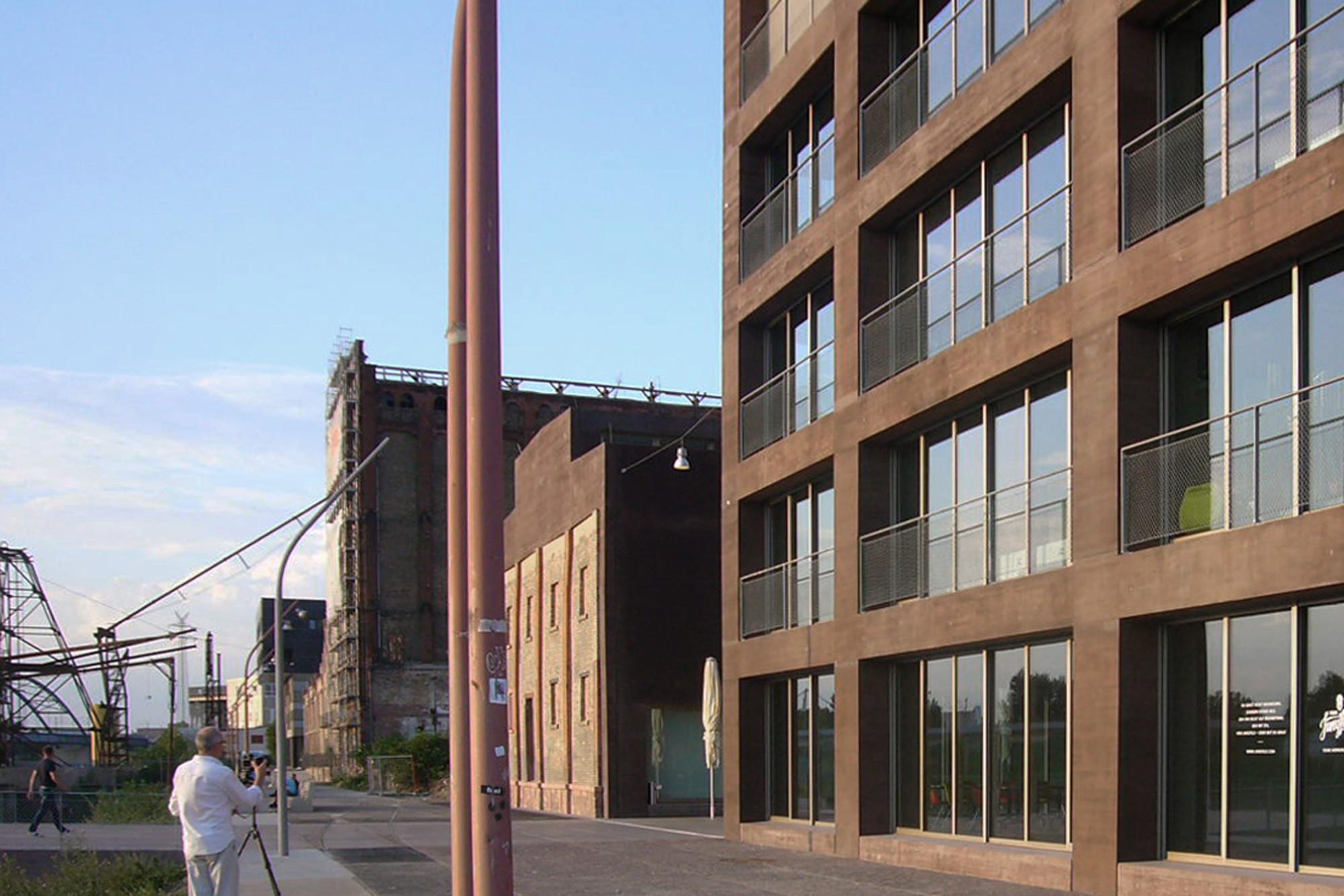 kreativwirtschaftszentrum in mannheim beton kultur baunetz wissen. Black Bedroom Furniture Sets. Home Design Ideas