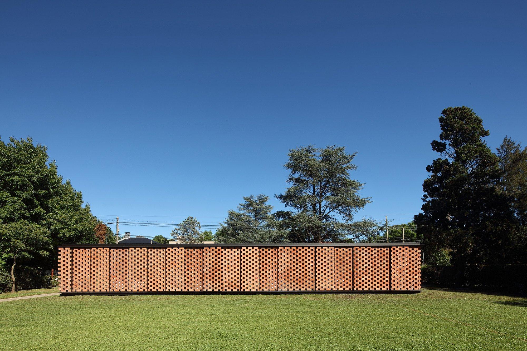 Brick Pavillon in City Bell | Mauerwerk | Wohnen/EFH | Baunetz_Wissen