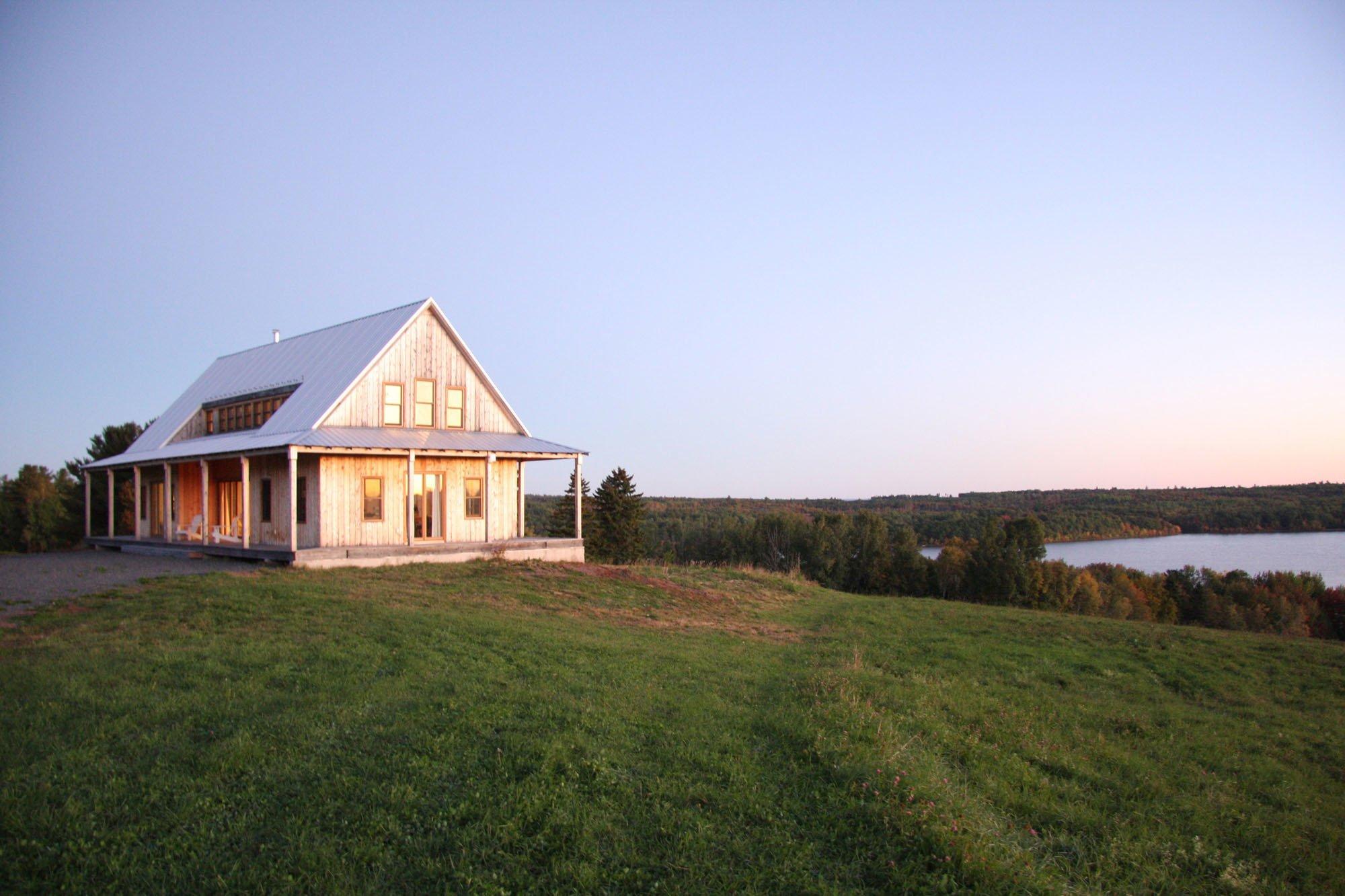 Wohnhaus in New Brunswick | Geneigtes Dach | Wohnen | Baunetz_Wissen