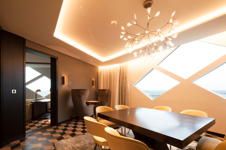 Wie Im Atrium Ist Die Indirekte Beleuchtung Der Zimmer In Decken Und Wände  Integriert