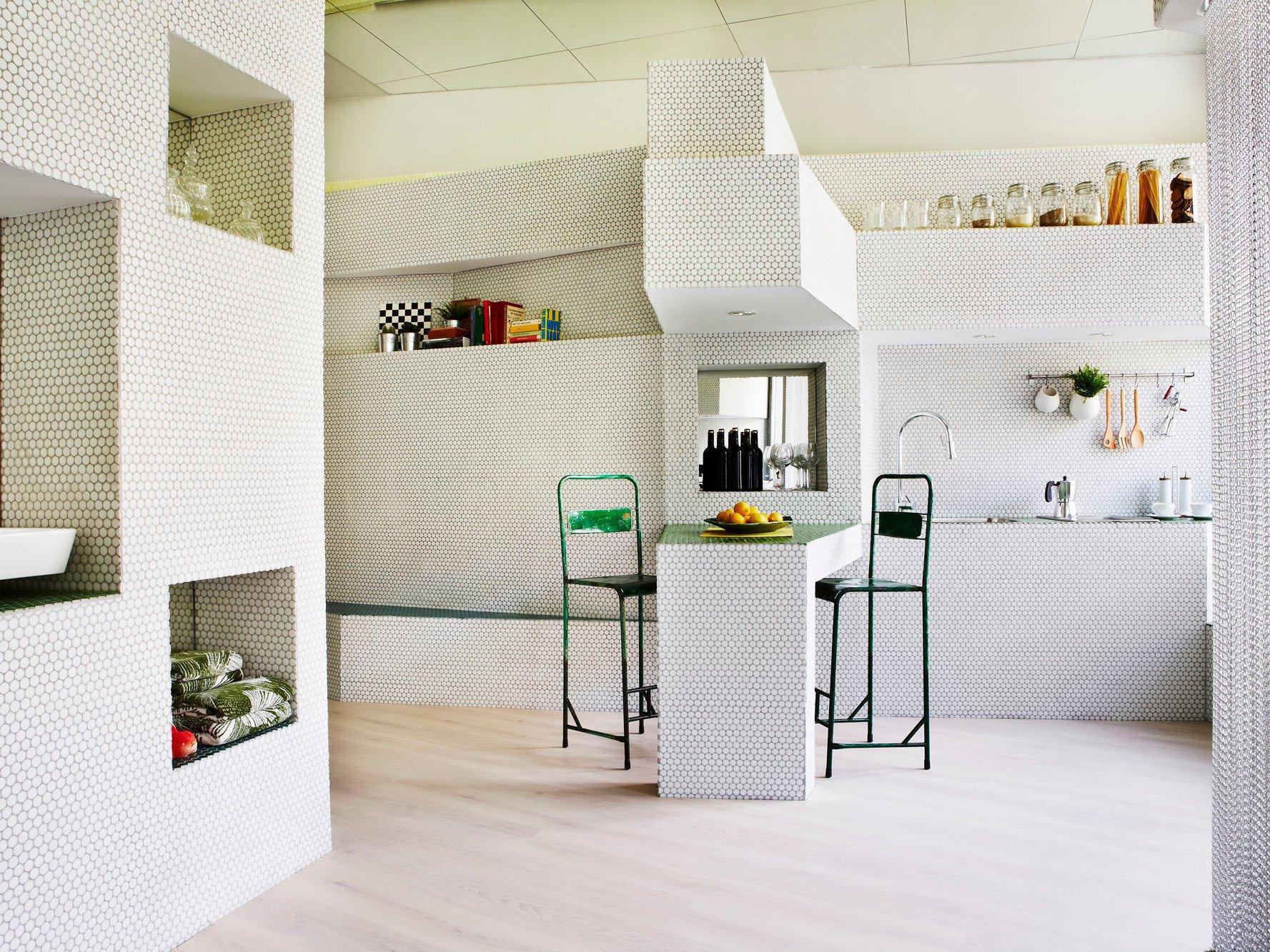perimeter apartment in madrid fliesen und platten wohnen baunetz wissen. Black Bedroom Furniture Sets. Home Design Ideas