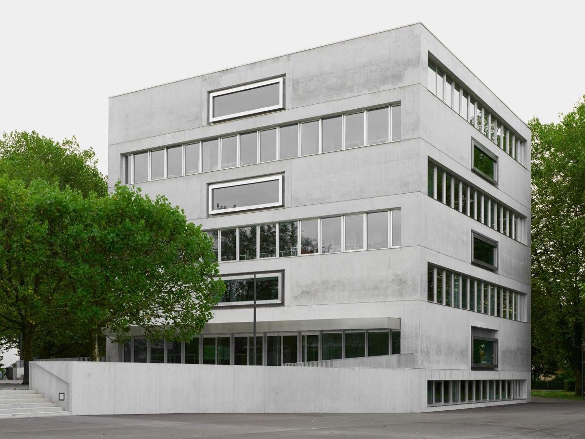 sekundarschule campus moos in r schlikon beton bildung baunetz wissen. Black Bedroom Furniture Sets. Home Design Ideas