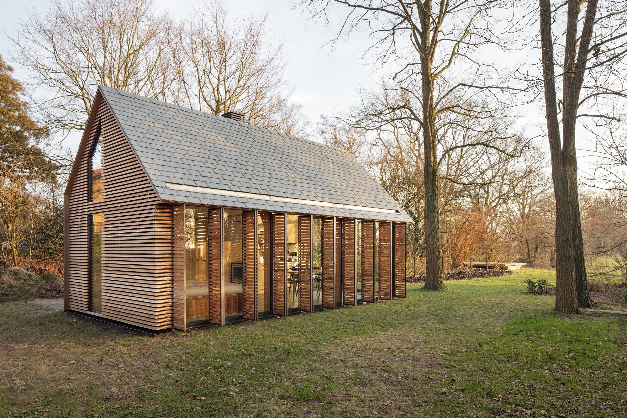 Ferienhaus bei Utrecht | Geneigtes Dach | Wohnen | Baunetz_Wissen