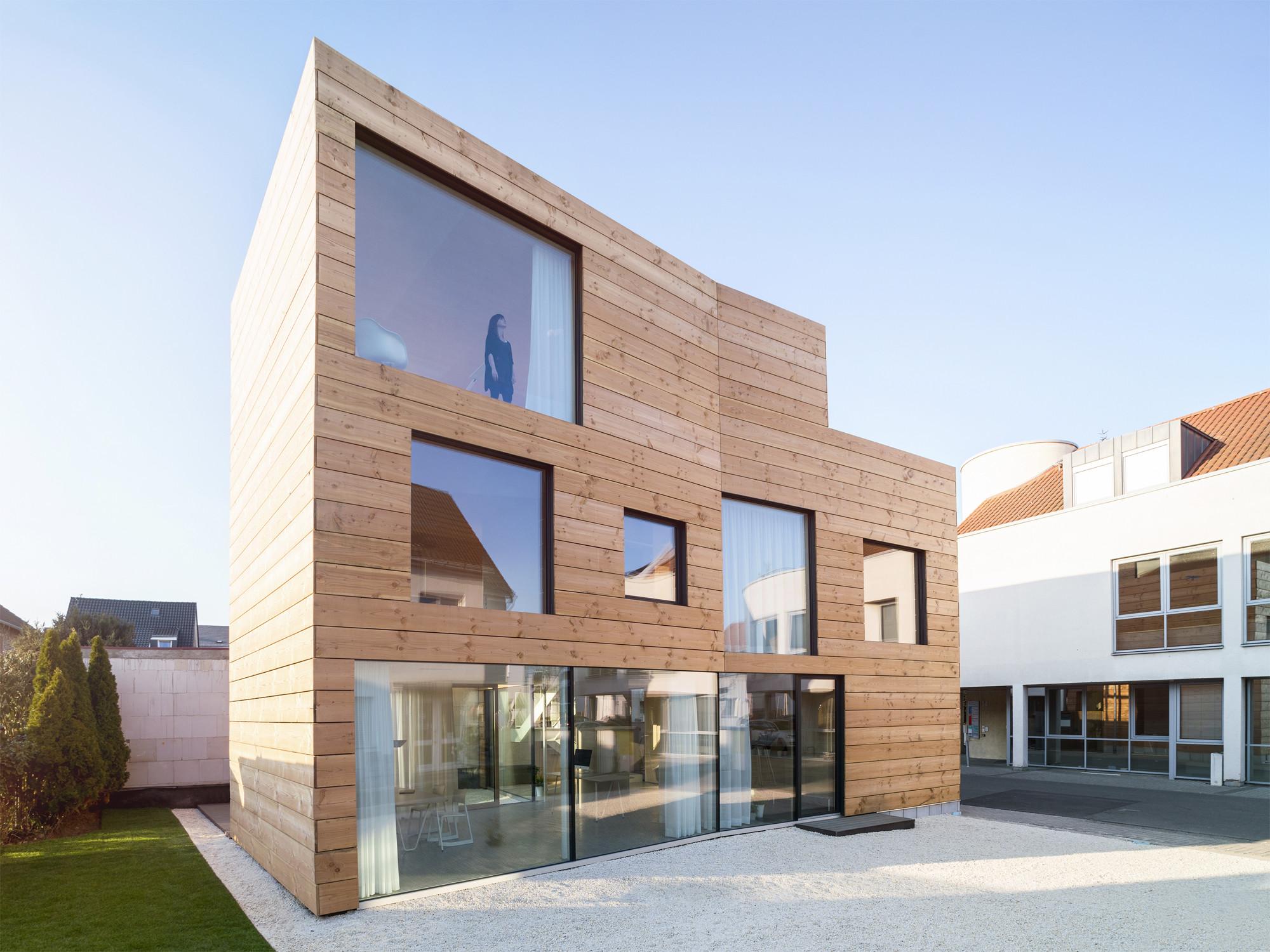 B ro und wohnhaus in bischofsheim nachhaltig bauen for Wohnhaus bauen