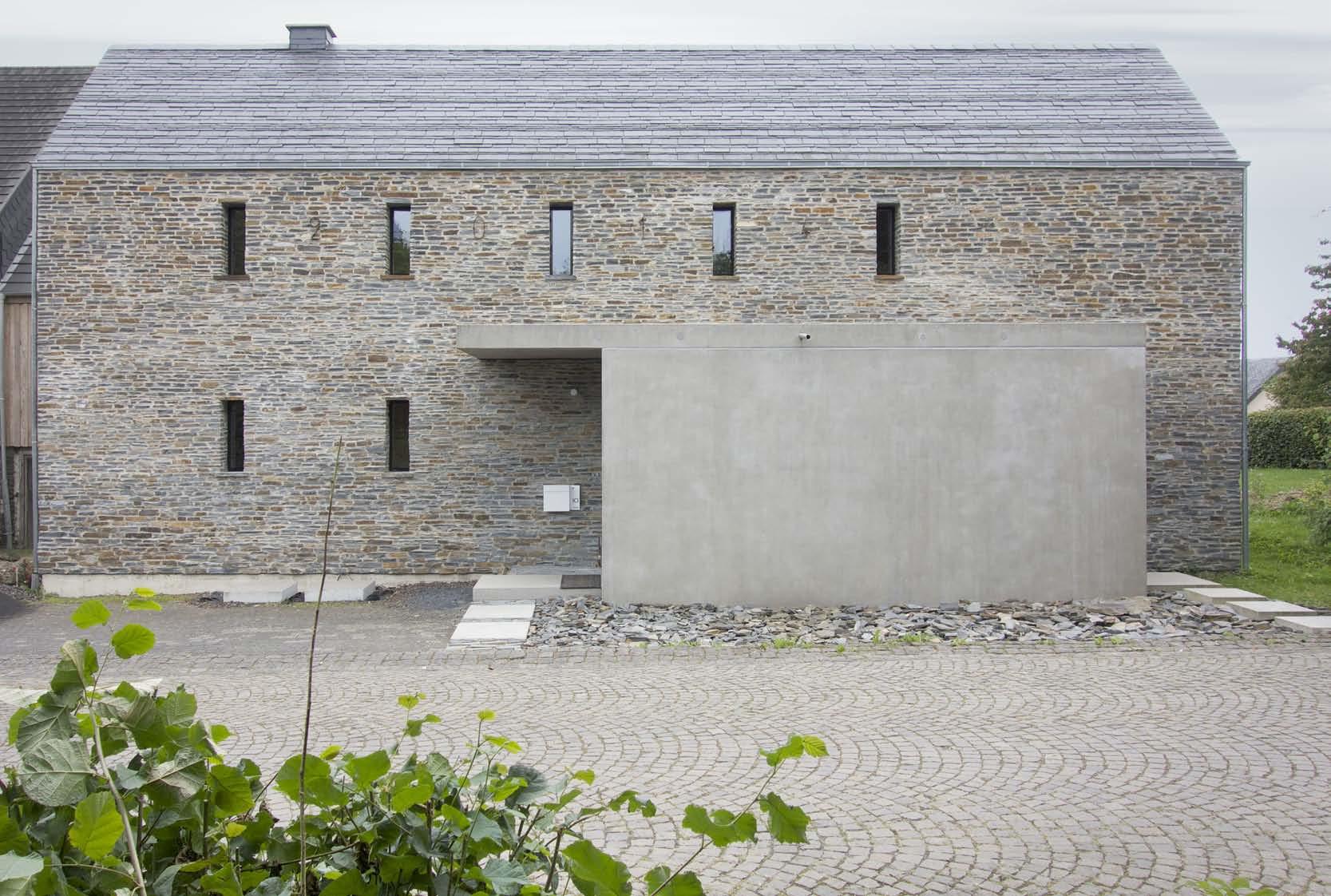 Einhaus in der Vulkaneifel | Schiefer | Wohnen/EFH | Baunetz_Wissen