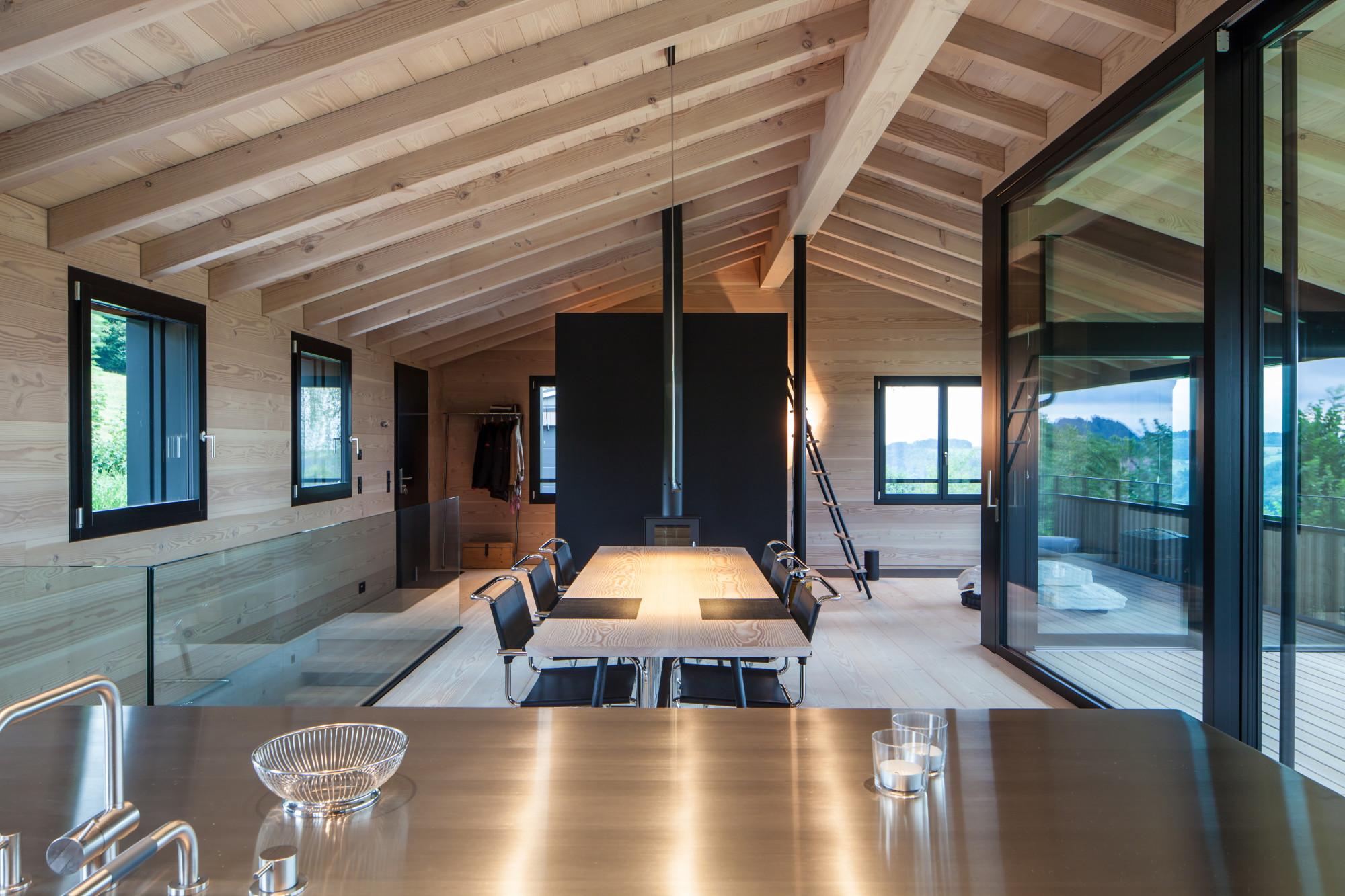 raumlange dielen aus eiche und douglasie gesund bauen. Black Bedroom Furniture Sets. Home Design Ideas