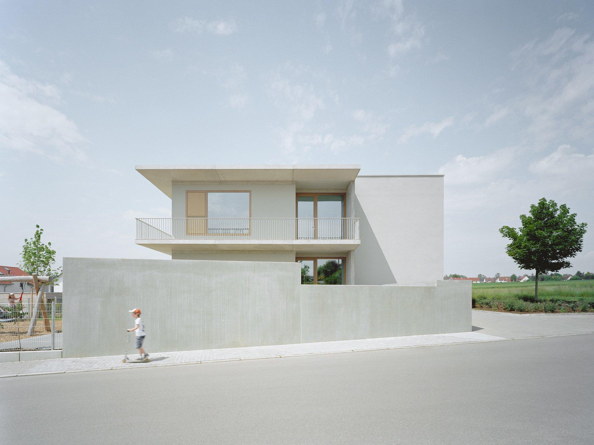 Kinderhaus im weckholder in aichtal d mmstoffe kultur for Schule design
