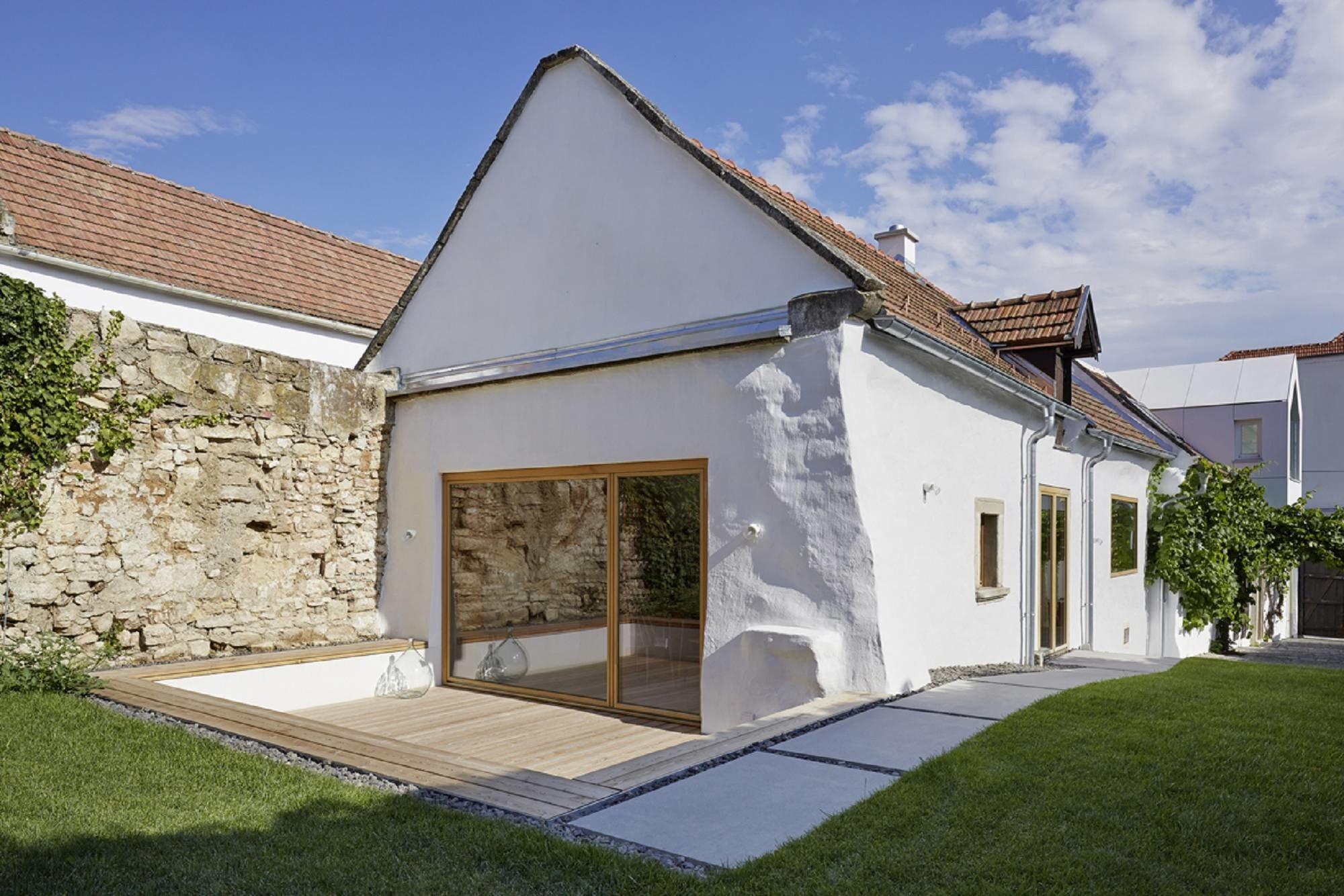 Modernisierung Von Bauernhaus Und Scheune M1 In Jois Geneigtes