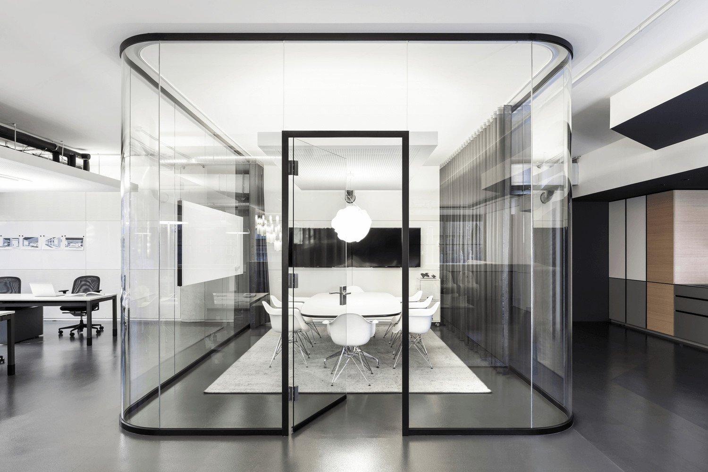 durchbruch und durchschussicherers vsg aus polycarbonat und glas glas news produkte. Black Bedroom Furniture Sets. Home Design Ideas