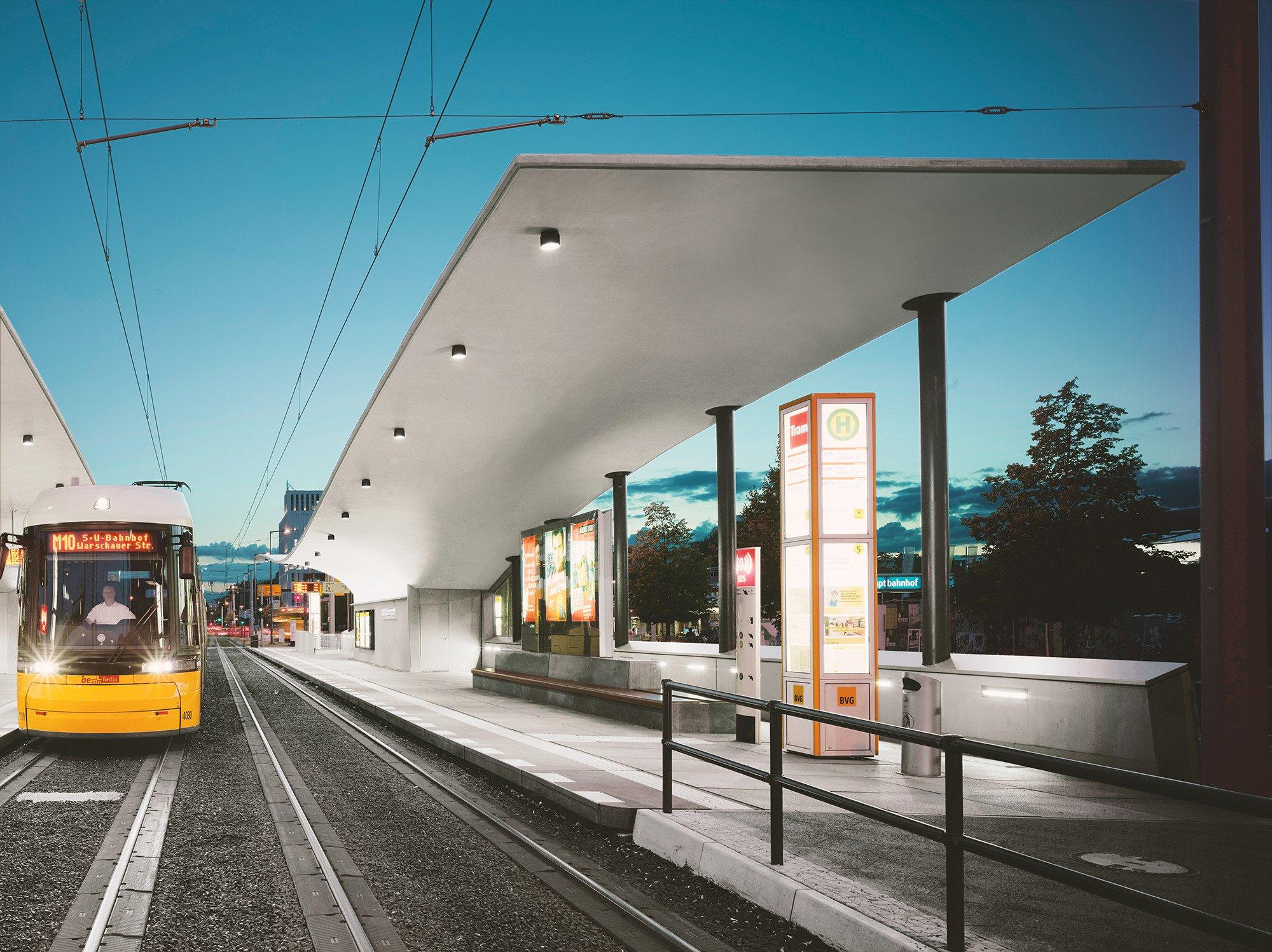 tram haltestelle am berliner hauptbahnhof beton. Black Bedroom Furniture Sets. Home Design Ideas