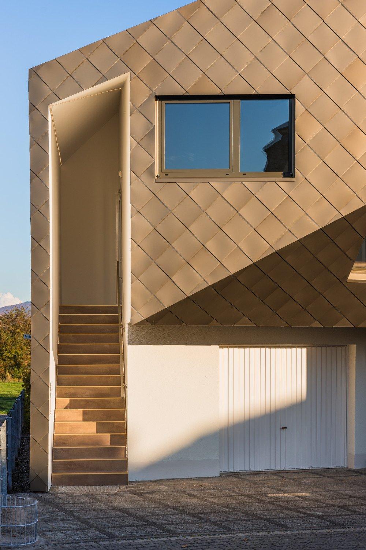 Bronzefarbene Fassaden Und Dachschindeln Fassade News