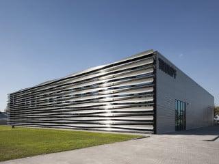 Der polnische Hauptsitz der Firma Trumpf liegt in einem Gewerbegebiet nahe des Warschauer Flughafens