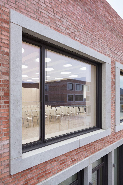schul und b rgerzentrum b gadamerplatz in heidelberg mauerwerk bildung sport baunetz wissen. Black Bedroom Furniture Sets. Home Design Ideas