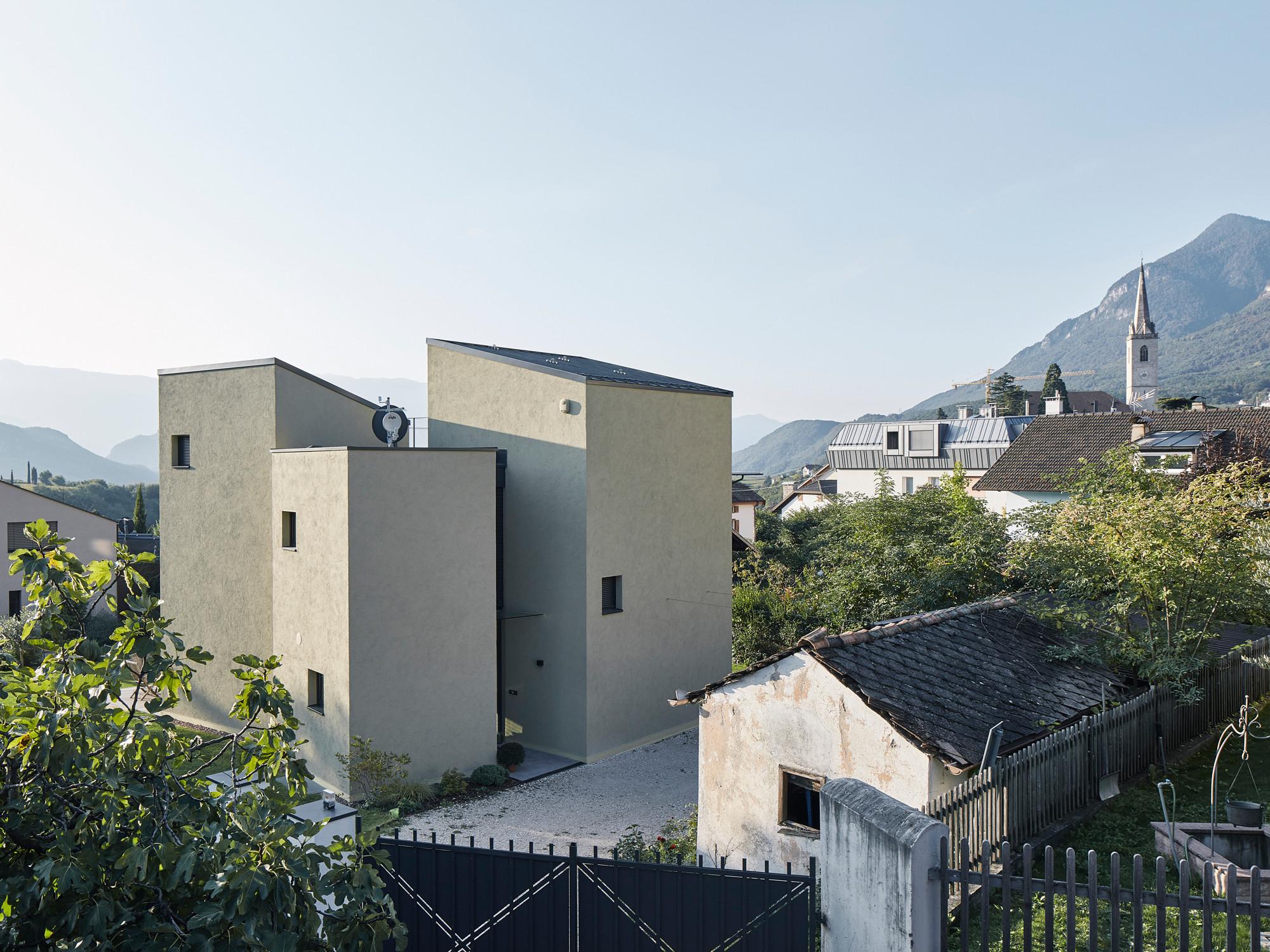 Haus D in Kaltern | Dämmstoffe | Wohnen | Baunetz_Wissen