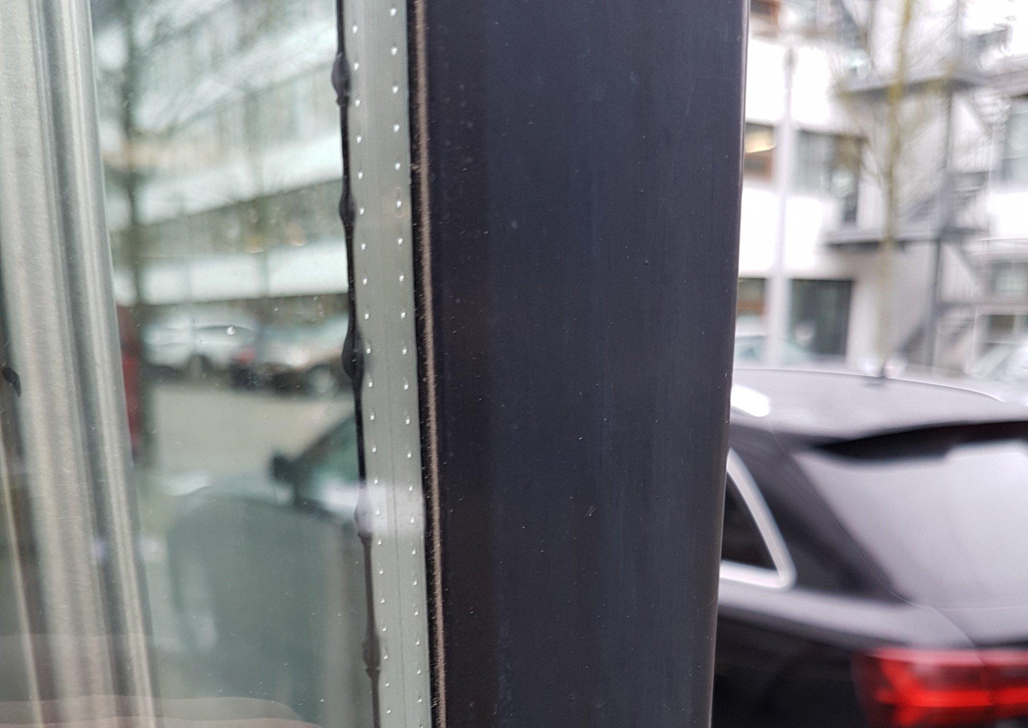Glasbruch durch Temperaturzwang | Glas | Schäden | Baunetz_Wissen
